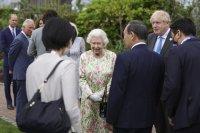 Елизабет Втора и лидерите на Г-7 в ботаническата градина Еден (Снимки)