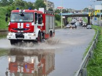 Порой в Русе: Младеж заплува с каяк по главен булевард