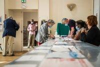 Рекордно ниска избирателна активност на местните избори във Франция