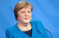 Меркел изрази готовност за тясно сътрудничество с Бенет
