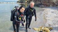 Водолази почистиха морското дъно при остров Света Анастасия