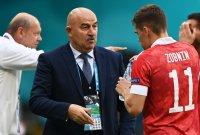 Треньорът на Русия отговори на Роналдо, отпивайки от безалкохолното