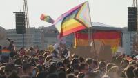 """Унгария забрани """"популяризирането"""" на хомосексуалността сред непълнолетни"""