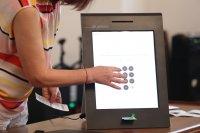ЦИК: Машините за гласуване могат да работят до 60 градуса температура