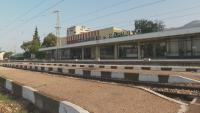 На един коловоз: Два пътнически влака на косъм от челен сблъсък в Карлово