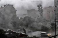 Страшна буря с градушка удари Перник (Снимки)