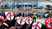 Предупредиха английските фенове да не изпълняват една от песните си срещу Германия