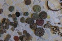 Иззеха старинни монети и археологически предмети след акция в Ямбол