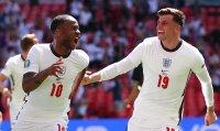 Двамата английски национали под карантина пропускат мача с Чехия