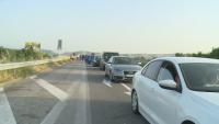 Пътуващите към Гърция чакат повече от час на границата