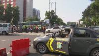 COVID карантина в Индонезия: С полиция и преграждане на улици