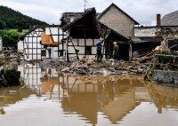 снимка 9 Унищожителни наводнения в Германия (Снимки)