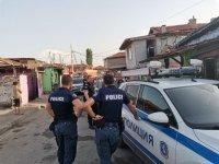 Задържаха 9 мъже за купуване на гласове в Бургаско