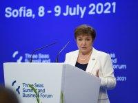 """Кристалина Георгиева: До 2025 г. се предвижда участниците в """"Три морета"""" да растат с 1,2% по-бързо"""