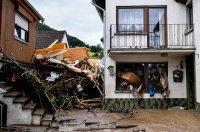 снимка 10 Унищожителни наводнения в Германия (Снимки)