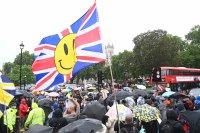 Падат ограниченията срещу пандемията в Англия на 19 юли