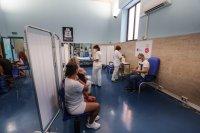 Големи опашки за ваксини в Австрия