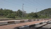 15-годишно момче е с тежки изгаряния след удар от волтова дъга на жп линия