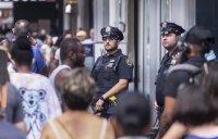 Кървав уикенд в САЩ: Най-малко 150 убити при масови престрелки