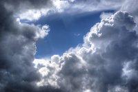 Облачно време и дъждове в планинските райони следобед