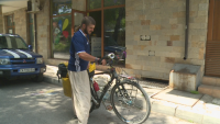 Велопътешественик мина транзитно през Банско и се ваксинира срещу COVID-19