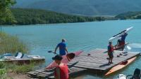 Ветерани тренират с млади състезатели кану-каяк в Асеновград