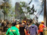 Жертвите на падналия във Филипините самолет вече са 50