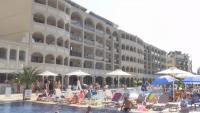 Българите преоткриват родното море, хотелиери водят ценови войни
