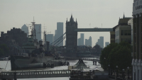 Отслабване на мерките във Великобритания