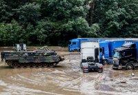 Расте броят на жертвите при наводненията в Западна Европа