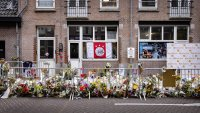 Почина журналистът, който беше прострелян в Амстердам