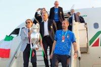 Италия се завърна в Рим след триумфа на Евро 2020 (СНИМКИ)