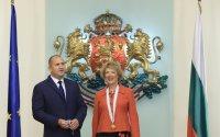 """Президентът удостои посланика на Нидерландия с орден """"Мадарски конник"""""""
