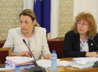 Депутатите са разединени относно идеята да не заседават всяка седмица