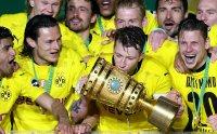 Борусия (Д) с оферта към феновете: Ваксина срещу COVID-19 и снимка с Купата на Германия