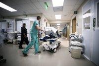 Клиниките за COVID-19 отвориха отново в Гърция
