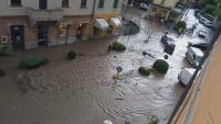 Наводнения и свлачища се образуваха в Италия след порои
