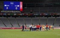 снимка 2 Звездите от футболния тим на САЩ с поражение срещу Швеция