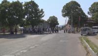 Жители на село Червен блокираха пътя Асеновград-Кърджали заради безводие