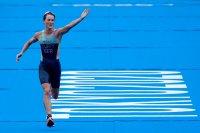 Златен медал за историята - състезателка от Бермуда спечели женския триатлон