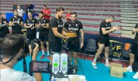 Любо Ганев се срещна с волейболистите, рожден ден подслади тренировката