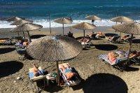 Десант от британски туристи на Корфу