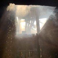 Пожар пламна на покрив на жилищна сграда в Пловдив