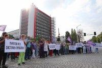 """Медиците от """"Пирогов"""" местят протеста си пред президентството"""