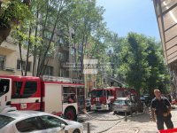 Пожар горя в жилищна сграда в центъра на София