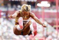 Последният шампионски скок донесе златото на Малайка Михамбо
