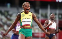 Най-бързата жена в света е Илейн Томпсън (Снимки)
