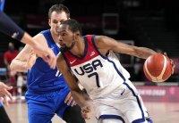 Баскетболните звезди на САЩ са на полуфинал в Токио
