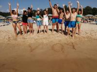 Почти 20 000 ученици и учители са одобрени за безплатна почивка