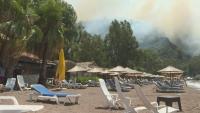 Поредна евакуация на местни жители и туристи заради пожарите в Турция